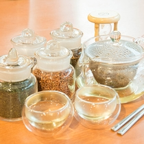 *【夕食一例】食後は伊勢茶をお好みブレンドでどうぞ