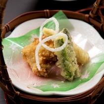 季節の和食膳・料理例/揚物一例
