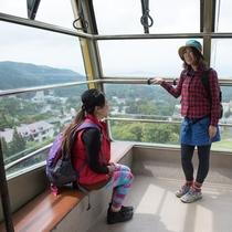 蔵王中央ロープウェイで標高1000m以上の別天地へ空中散歩。中央高原をハイキング