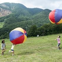 【タカミヤGアクティビティ/巨大バルーン遊び】直径約150cmの大きなバルーン貸出
