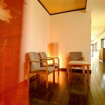 改装した客室がならぶ廊下へ・・・