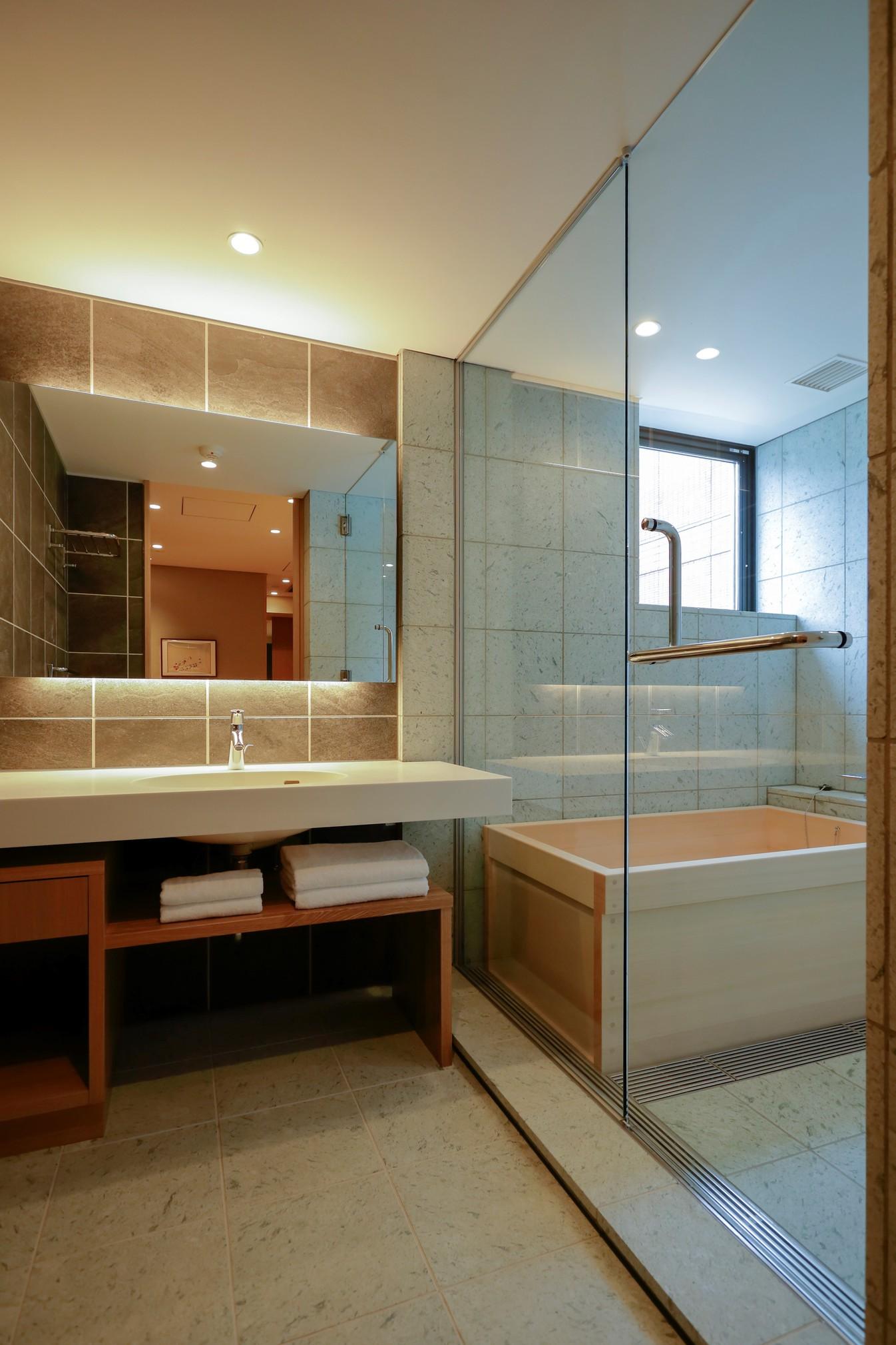 青海波 バスルーム