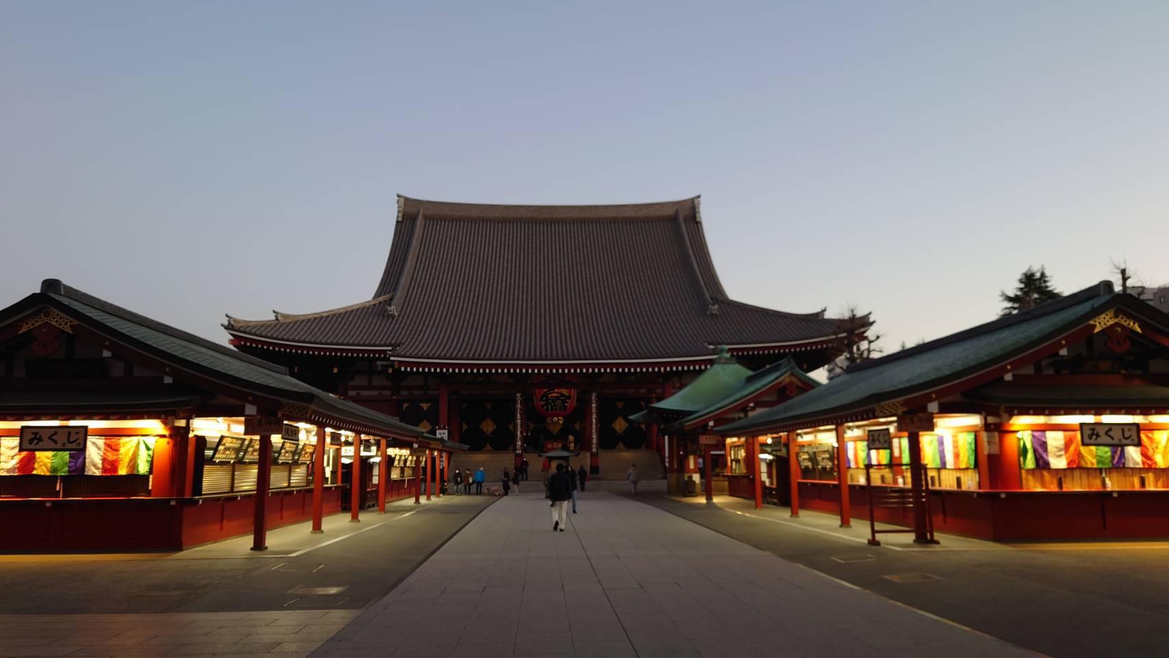 冬の早朝 浅草寺