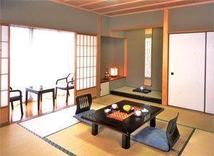 一室毎に趣のある「しつらい」を整えた客室には、ゆったりと寛ぎの刻が流れます。