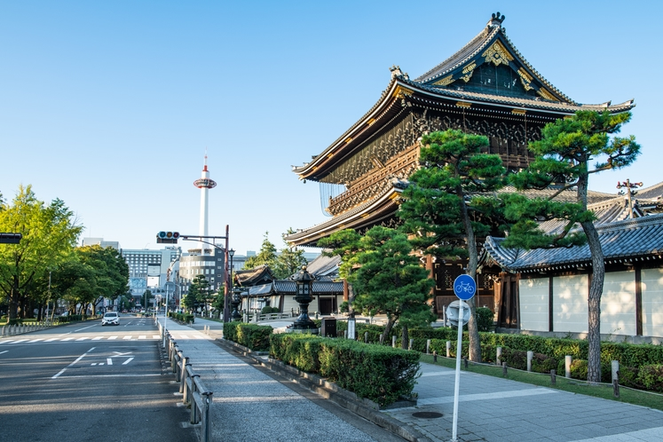 東本願寺と京都タワー