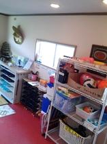 玄関、ビーチサンダル、スリッパ、遊具