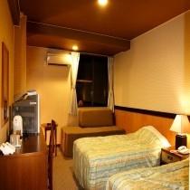 ツインルーム(20〜25平米)バス・洗浄機トイレ付
