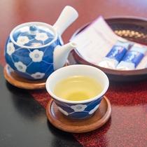 *【本館和室(一例)】お茶菓子をご用意しております。