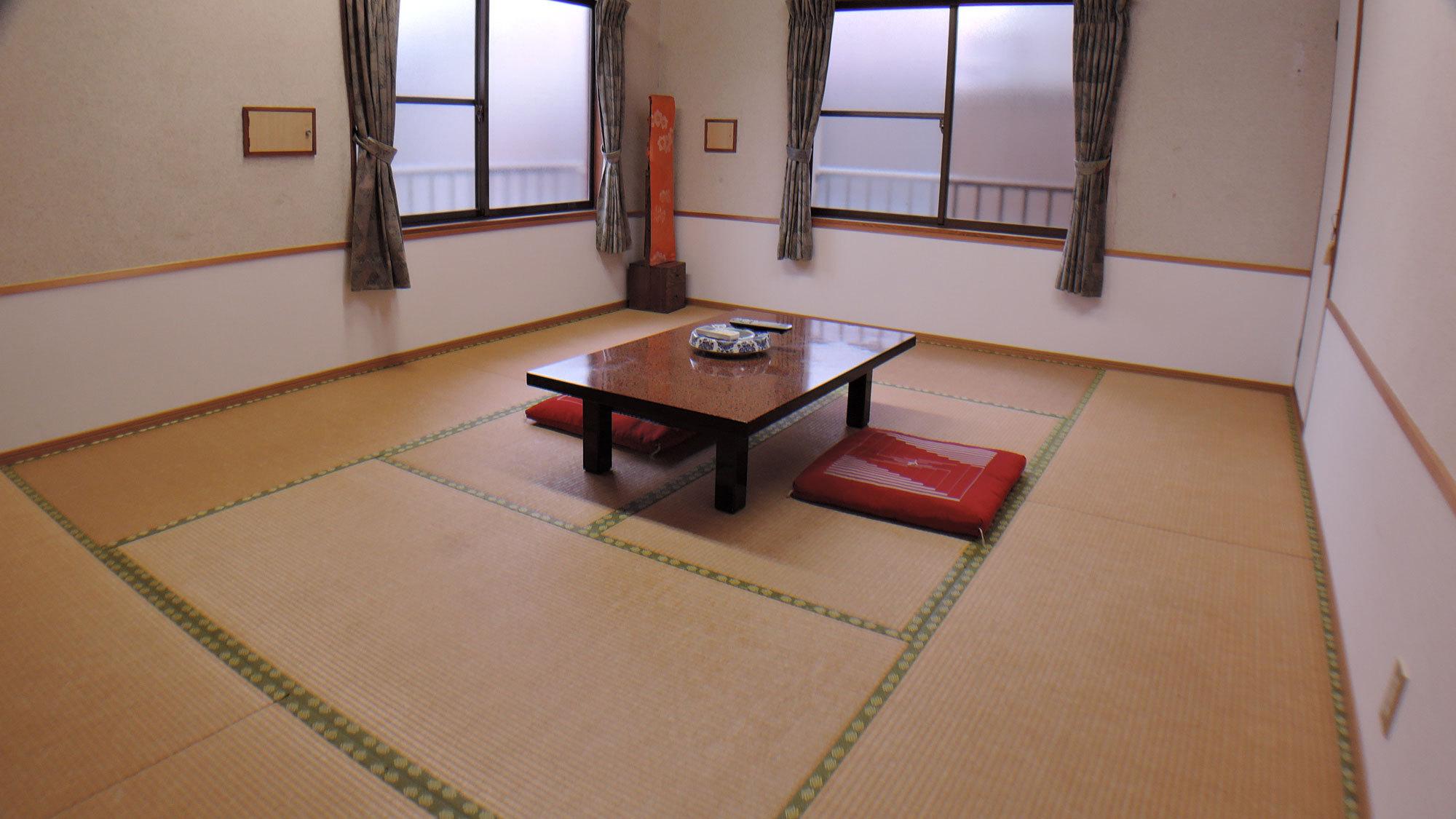 *【和室10畳一例】館内はお客様に快適にお過ごしいただけるよう、毎日心を込めて清掃しております。