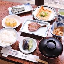 *【ご朝食一例】日替わりの焼き魚が付いた和朝食です