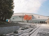【観光】郡山市立美術館・・・郡山市出身の工芸作家・佐藤潤四郎のガラス工芸の常設展のほか、企画展も。
