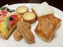 【お土産】フルーツピークス タルト、柏屋 檸檬、クリームボックス、三万石 ままどおる・エキソンパイ