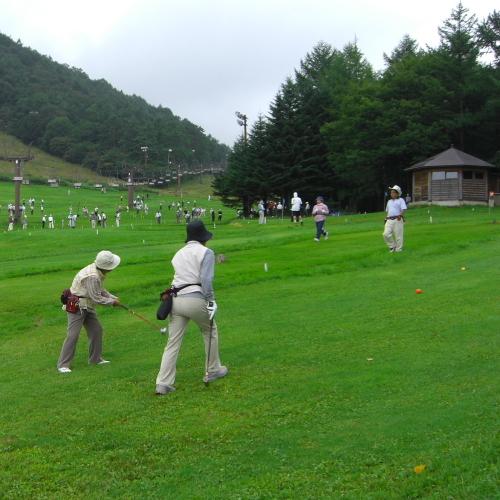 マレットゴルフ(天狗山プレイゾーン) 1ラウンド1000円〜(小学生以下800円〜)