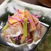 *【料理一例・向付】茶道も盛んであった中津川ならではの、季節に合わせたお料理をご用意致します。