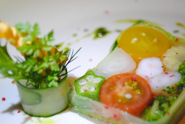 ある日の前菜(夏野菜のテリーヌ)