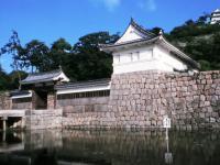 日本一の石垣丸亀城 お車で約22分(12.9Km)