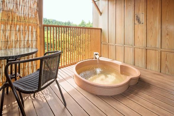 †再販開始!【温泉露天風呂付き和室】渓谷の自然に抱かれ贅沢な時間を…。