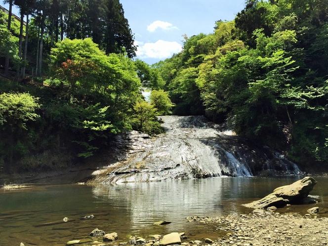 南房総の名瀑「粟又の滝」滝つぼまで徒歩5分