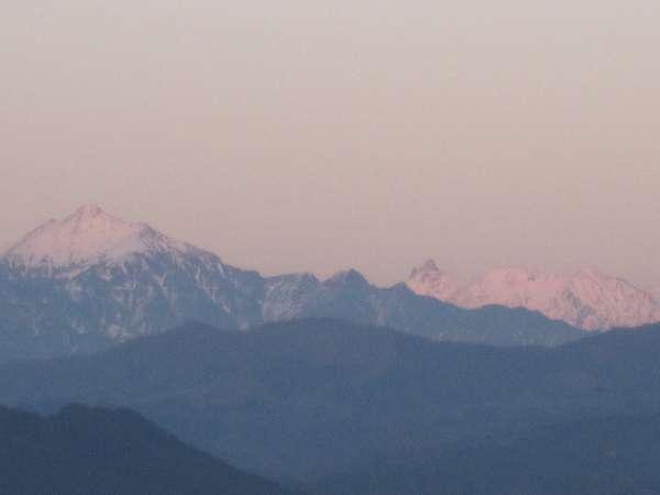 (7)スカイパークから眺めた、初冬の槍ヶ岳と笠ヶ岳(2009.12.2PM16:40)