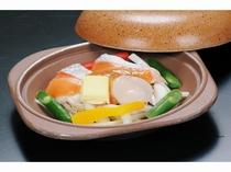 鮭と帆立の夏野菜の陶板焼き