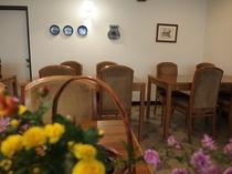 星月旅館の食堂