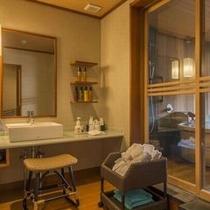 『臥待ち月』の洗面所はゆとりのスペースがあります