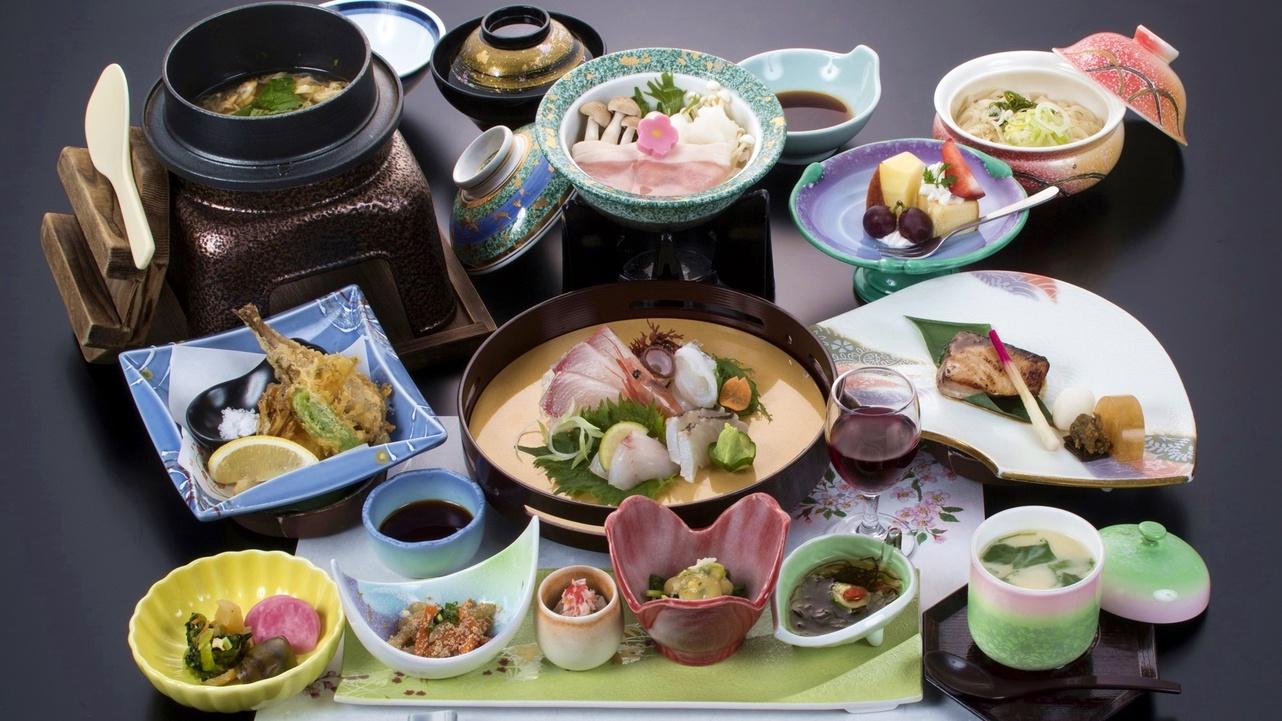 *【夕食Bコース一例】Aコースよりもボリューム控えめ。海鮮を中心に庄内の旬の幸が楽しめます。