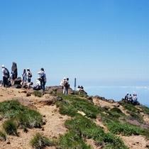 【蔵王お釜】山頂から絶景がご覧いただけます。エコーラインより山頂へ