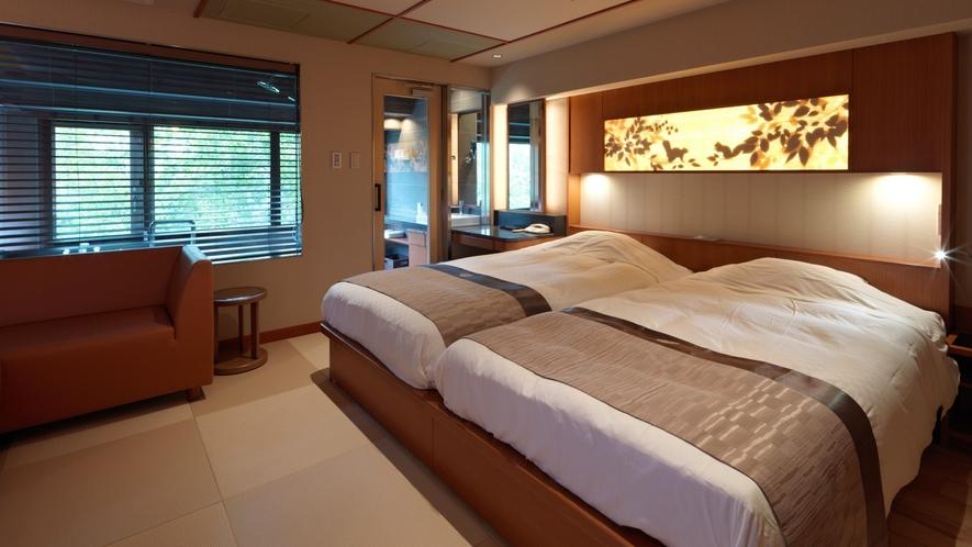 【こもれび】ジェットバス付和室ツイン/心地よい畳で寛ぎ、快適なベッドでおやすみください。