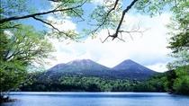 ■阿寒湖イメージ/湖と山が織りなす美しい風景も素敵な旅の思い出です
