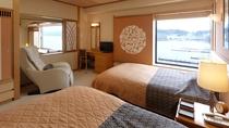 【別館】和洋特別室 一例/和室とベッドルーム、いずれの窓からも阿寒の森を見渡せます。