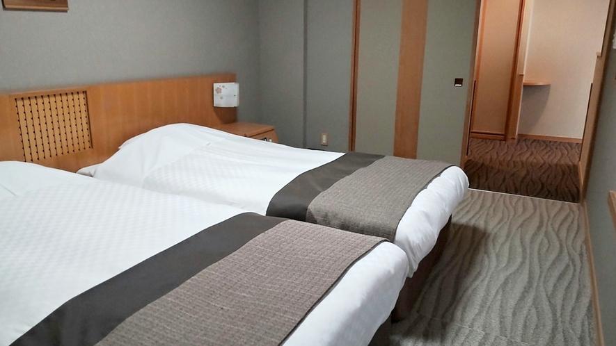 【こもれび】DX和洋室/ベッドルームも段差がないので車椅子のままベッドの近くまで行けます(イメージ)