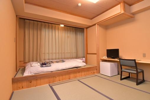 【禁煙:旧館】和室小上がり付8畳 バス・トイレなし【花雲館】