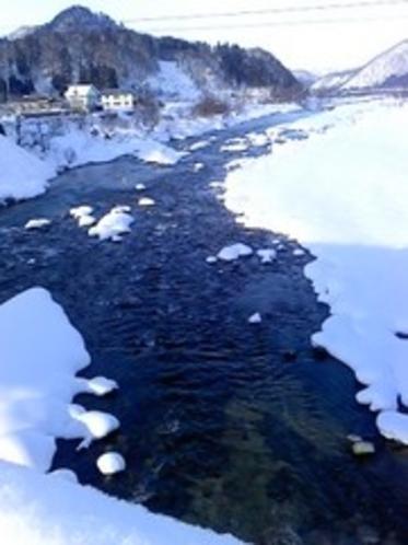 雪ぼうしと伊南川