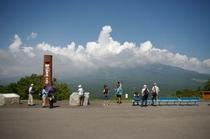 夏の平沢峠と入道雲