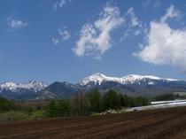 5月中旬、早春の野辺山から見る八ヶ岳全景