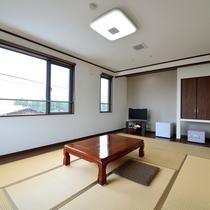 *客室一例/新館和室10帖トイレ付 自然の光が差し込む明るいお部屋