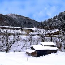 *雪に包まれた当館。白銀の世界でごゆっくりお過ごしいただけます。