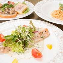 *【お夕食一例】気軽に楽しめるコースディナーをどうぞ!食材はこだわりの北海道×伊豆の食材にてお届け