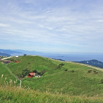 *大室山は360度パノラマビュー♪お天気がいい日は大室山へピクニックもおすすめです。