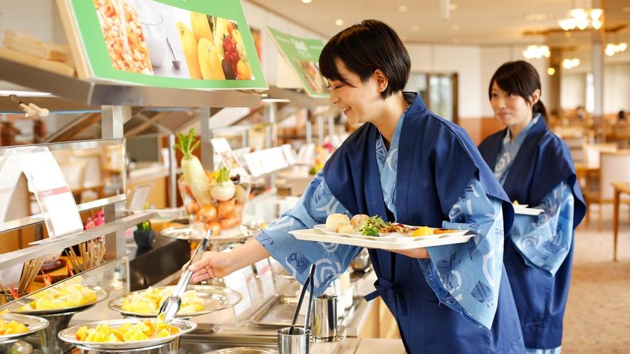 ★【朝食イメージ】客室備え付けの浴衣で、のんびり御朝食をお楽しみいただけます。