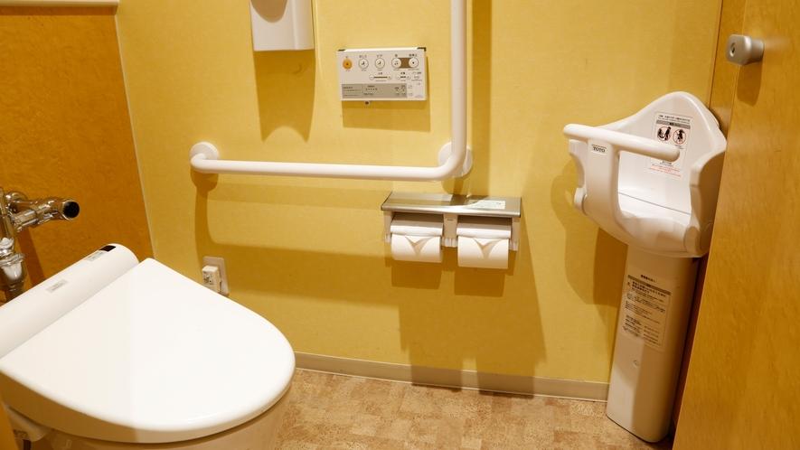 ★1階お手洗いはベビーベッド・おむつ交換台もございます。
