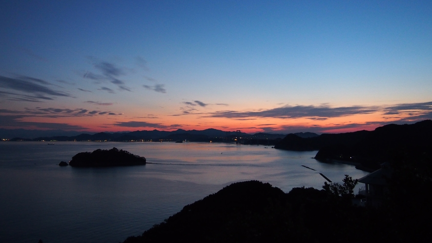 ★様々な表情を見せる瀬戸内海の夕景(一例)