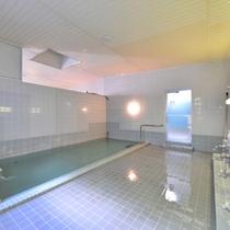 *大浴場/湯量豊富に湧き出る天然温泉は24時間いつでもご入浴いただけます。