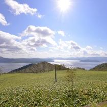 *藻琴山展望/屈斜路湖の北部にそびえる、標高1000mの小高い山の途中にある展望公園。