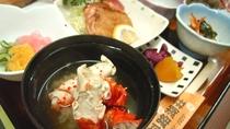 *夕食一例【カニ味噌汁】お出汁がしみた温かいお味噌汁です。