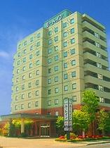 【ホテル外観】当ホテル外観です。道を挟んだ向かいに第2西那須野がございます。