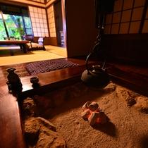 囲炉裏・風呂付客室