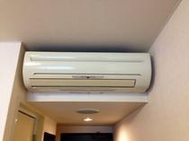 各客室毎の個別空調になっております。