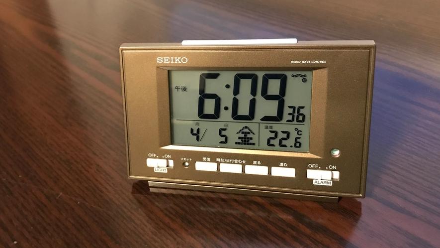 目覚まし時計を全室にご用意しております